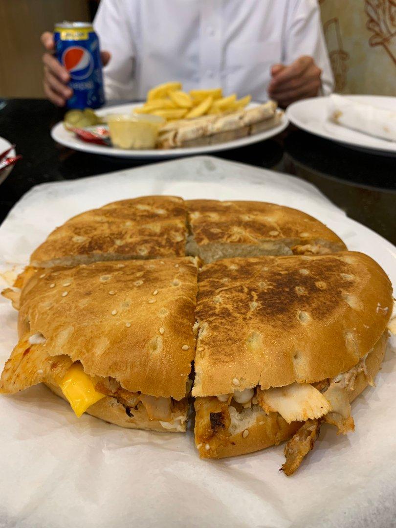 اشهر مطاعم الطريق الدائري الغربي الرياض
