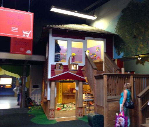 Portland Children's Museum - building and climbing