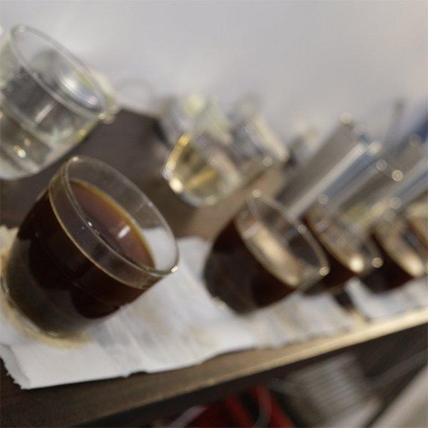 NOMAD對新進口咖啡進行杯測