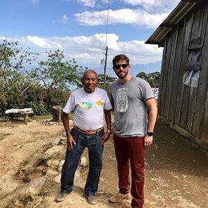P&S創辦人與農場長者Juan