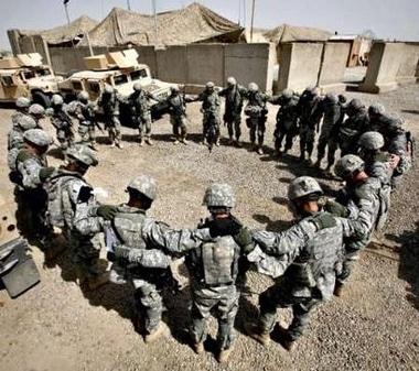 Soldiers_Praying_at_Base.JPG