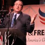 Mike Huckabee Pitches Cramer to Iowa 3rd District Delegates