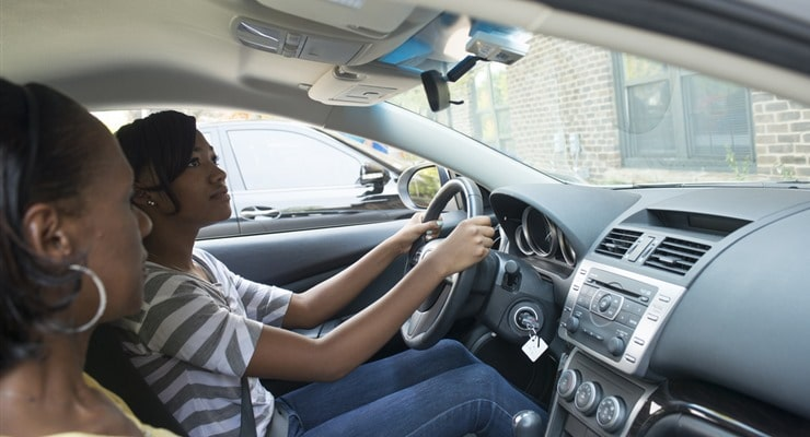 parent-teaching-teen-driving