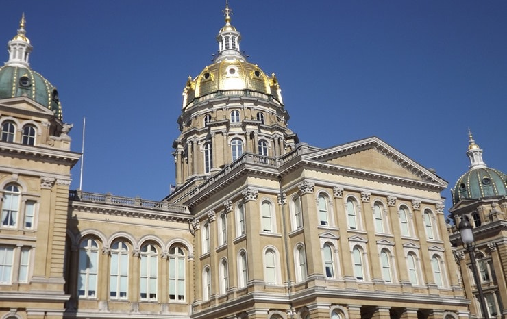 iowa-state-capitol-eastside_thumb.jpg