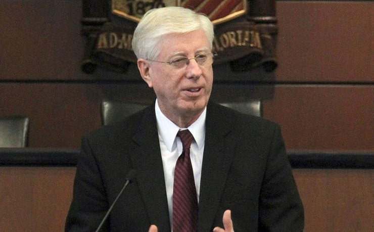 800px-Iowa_Attorney_General_Tom_J_Miller