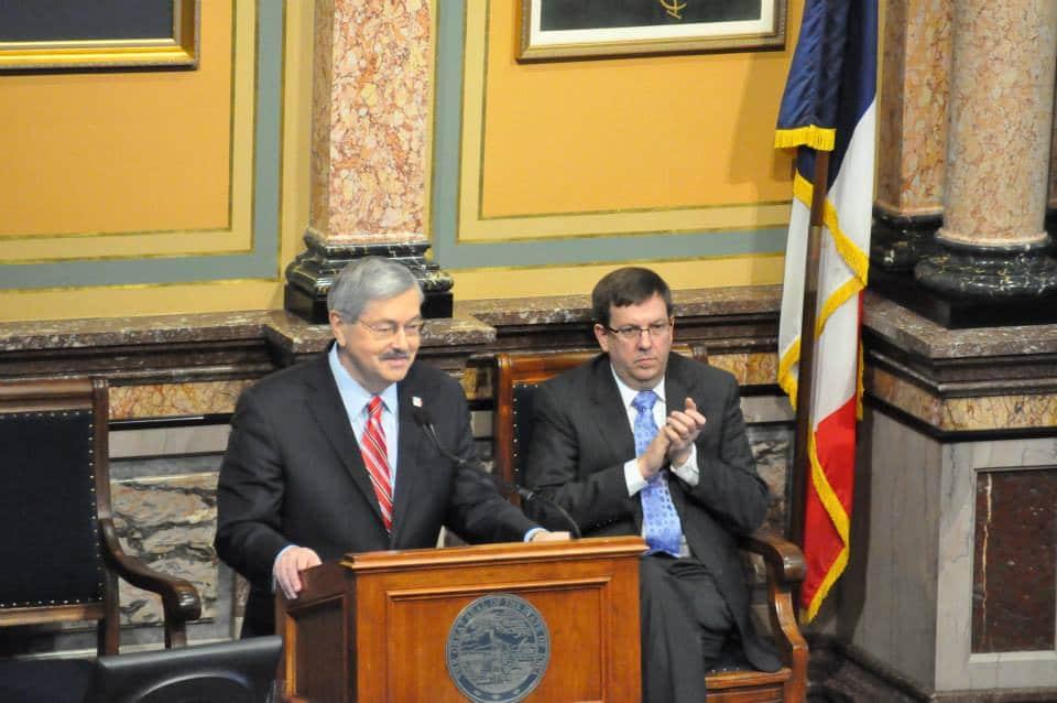 Iowa Gov. Terry Branstad and former House Speaker Kraig Paulsen (R-Hiawatha) during 2015 Condition of t.he State address