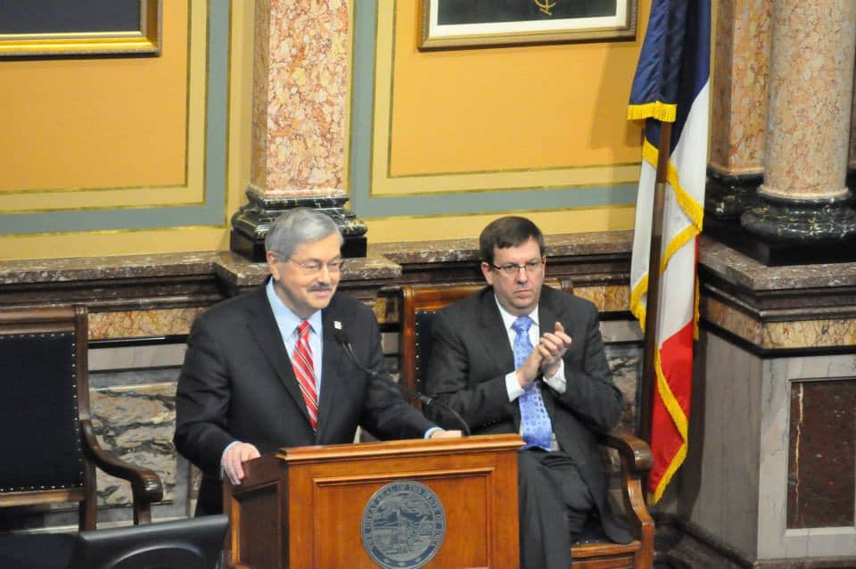 Iowa Gov. Terry Branstad and former House Speaker Kraig Paulsen (R-Hiawatha) during 2015 Condition of t.he State address