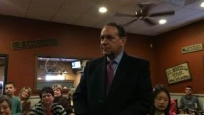 Mike Huckabee at the Altoona Pizza Ranch.