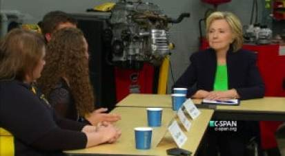 hillary-clinton-education-roundtable