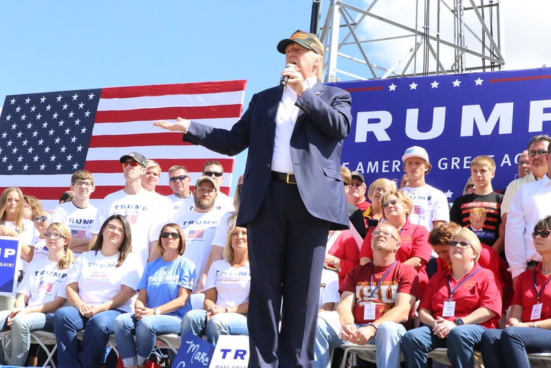 Donald Trump at Pufferbilly Days Rally in Boone, IA on 9/13/15. Photo credit: Dave Davidson (Prezography.com)