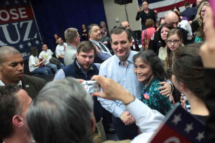 Ted Cruz with supporters in Henderson, NVPhoto credit: Gage Skidmore (CC-By-SA 2.0)