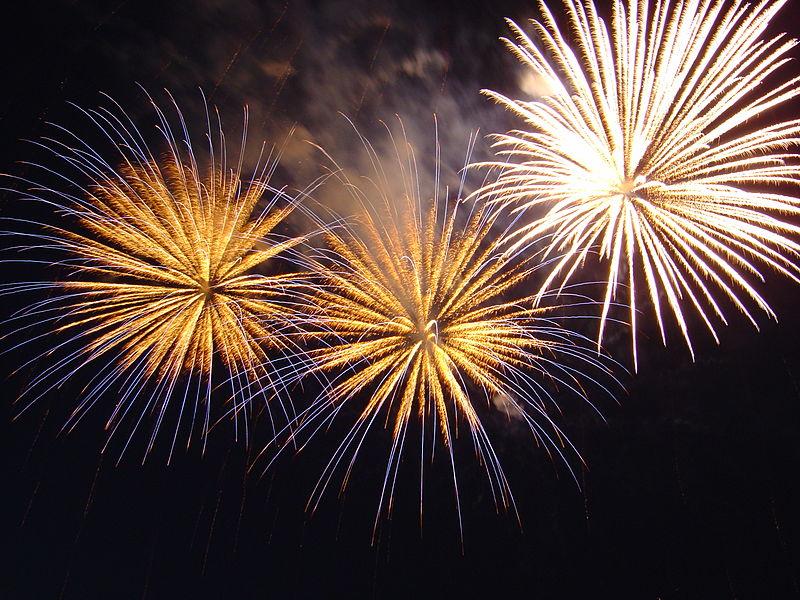 800px-Bratislava_New_Year_Fireworks.jpg