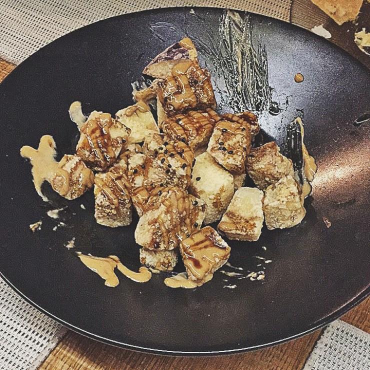 tacos de berenjena con allioli de soja y miel de caña, el colmado, alicante