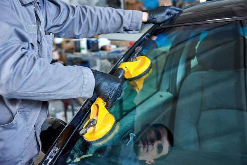 Open 7 Days Auto Glass Repair in Summerlin