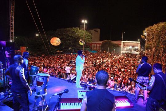 Foto 7 - Show Timbalada na Deodoro domingo[1]