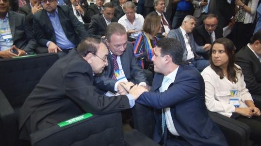 Luis Fernando e o prefeito Sebastião Madeira (Imperatriz) com o ministro das Cidades, Bruno Araújo