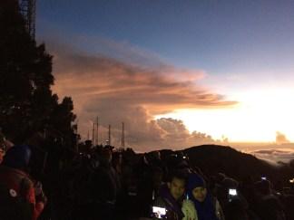 Clouds/crowds