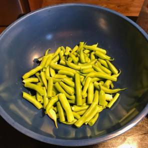 """2"""" snapped green beans"""