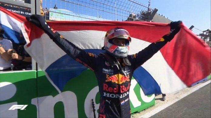Verstappen rangkul trofi juara di hadapan penyokong sendiri