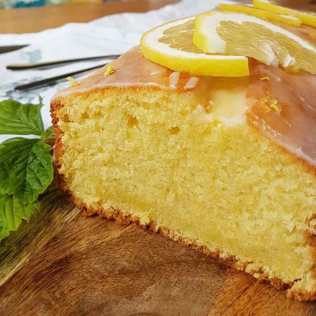 Anschnitt des Zitronenkuchens von Cake Confession