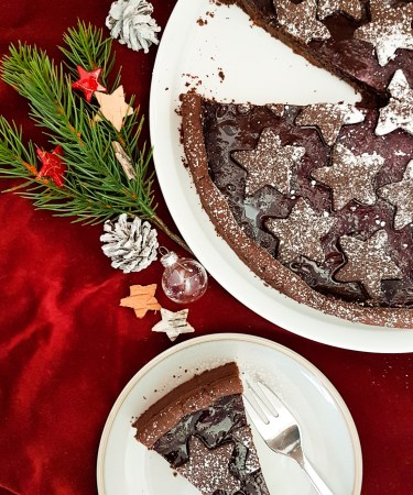 Anschnitt und Lebkuchen Tarte von Cake Confession aus der Vogelperspektive