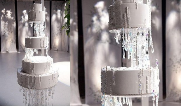 chandelier wedding cake as featured in Sex andThe City by Ron Ben Israel Wedding Cakes