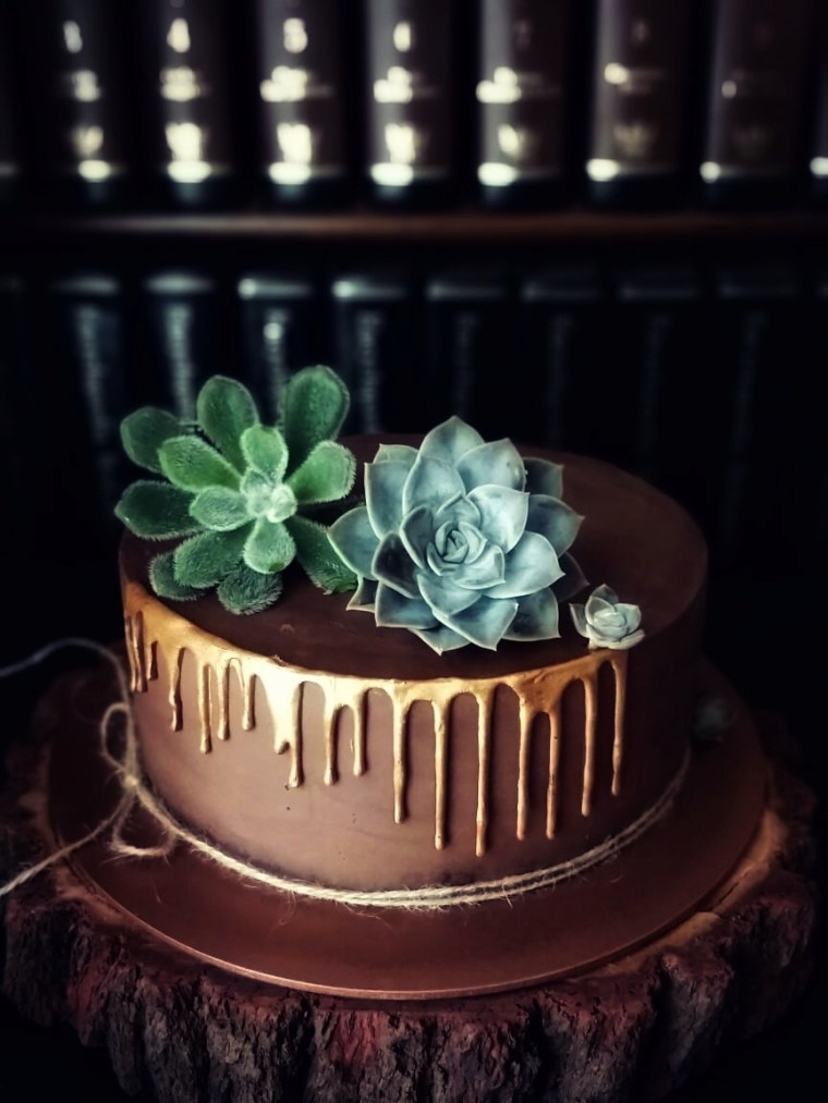 #TrendCakes #DripCakes  #cakes and other stuff