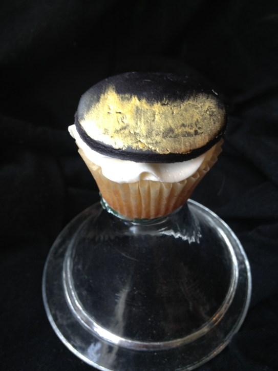Match cupcake to your wedding cake