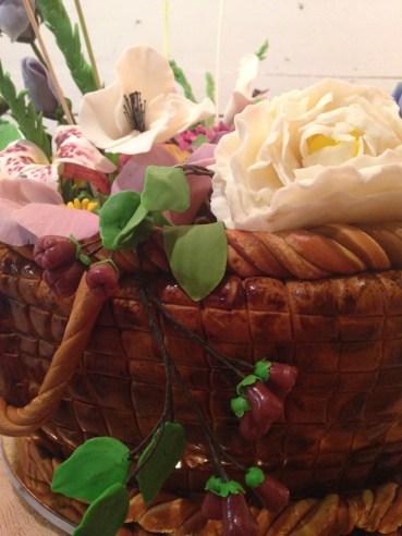 Basket of flowers cake.