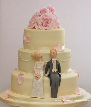 Roses and bride and groom topper