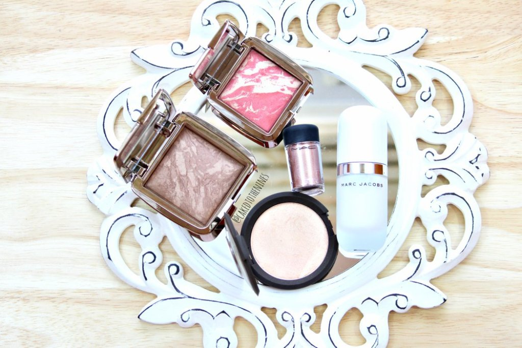 Hourglass Radiant Bronze Light bronzer, Hourglass Diffused Heat blush, Becca Champagne Pop, MAC Tan pigment, Marc Jacobs Undercover Perfecting Coconut Primer.