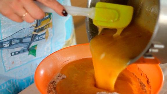 2-2,5 литр литр кәстрөлде біз Chringman-дағы гинтербредтер: Қадамдық фото рецепт