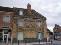 A tile manufacturer: that roof is an advert in itself!