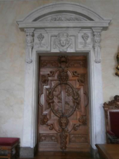 Doorway inside, leading to the chapel