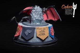 Juego de tronos con Trono y dragón hecho en azúcar