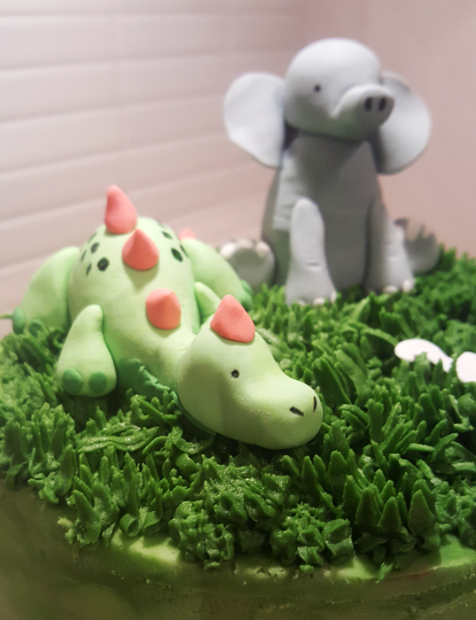 Dinosaur elephant cake - dinosaurie- och elefanttårta