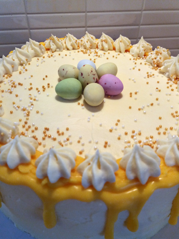 Yellow drip cake - gul drip-tårta
