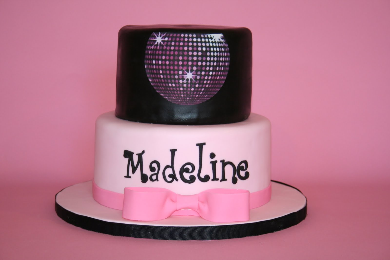 Sensational 24 Awesome Birthday Cakes For Girls From 18 To 21 Years Cakes Personalised Birthday Cards Vishlily Jamesorg