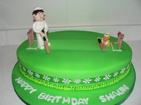 cricket-theme-birthday-cakes-cupcakes-4