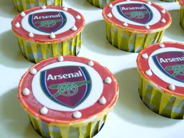 football-team-cupcakes3