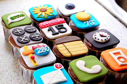mobile-iphone-android-cakes-cupcakes-mumbai-6