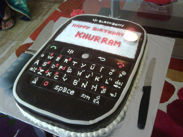 mobile-iphone-android-cakes-cupcakes-mumbai-7