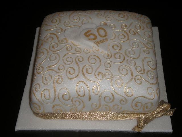 anniversary-cakes-mumbai-8