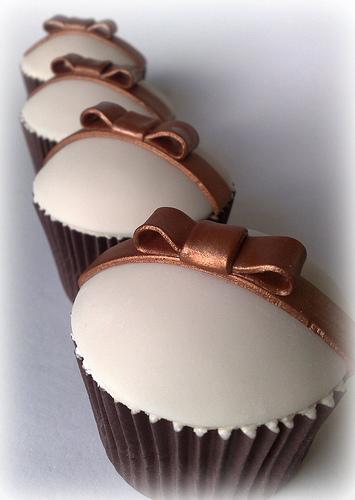 anniversary-cupcakes-theme-mumbai-1