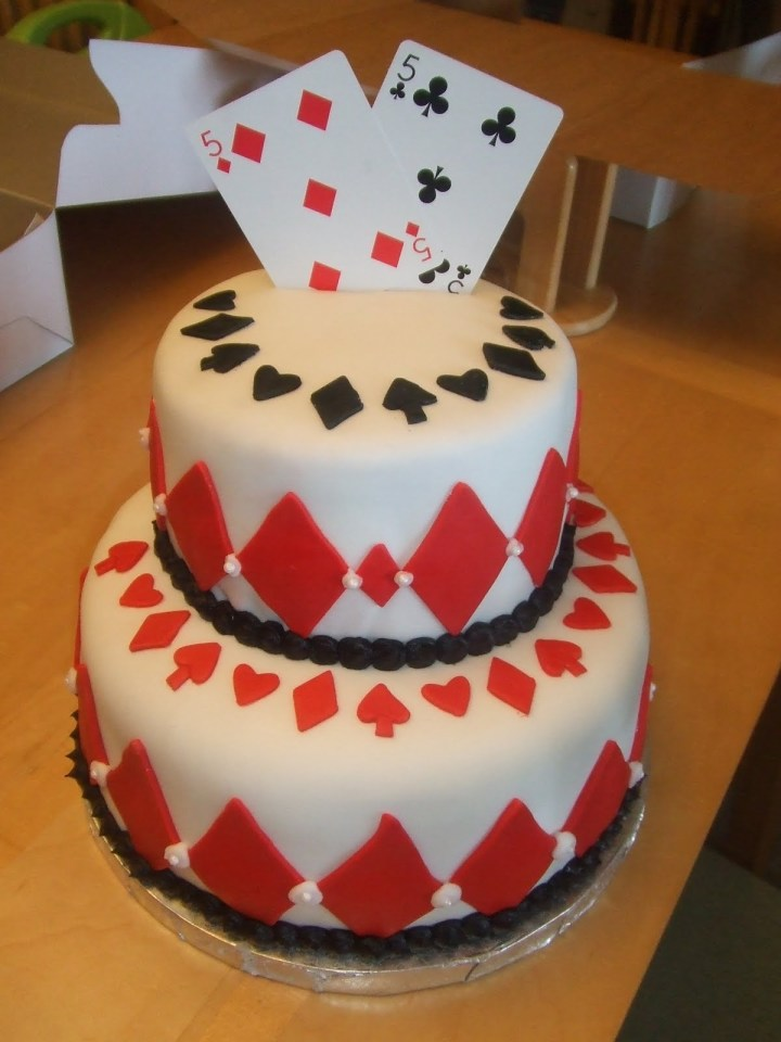 poker-cards-casino-theme-cakes-cupcakes-mumbai-12