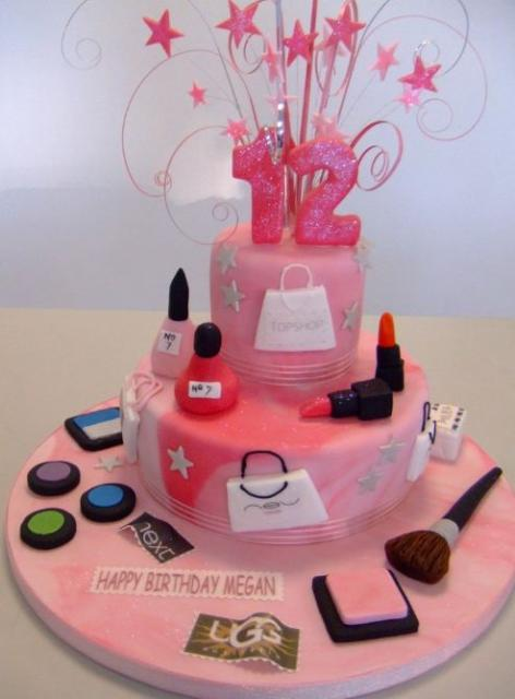 shopaholic-born-to-shop-shopping-theme-cakes-cupcakes-mumbai-18
