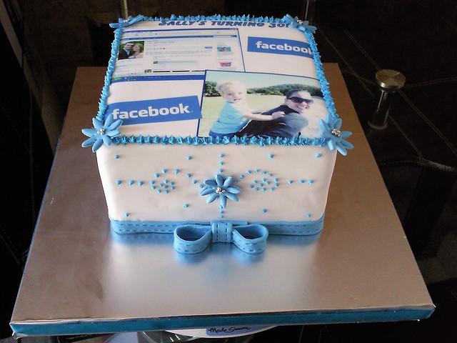 facebook-technology-theme-cakes-cupcakes-mumbai-12