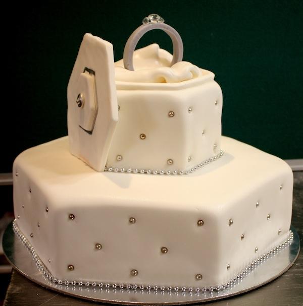 egagement-cakes-theme-best-cupcakes-mumbai-13
