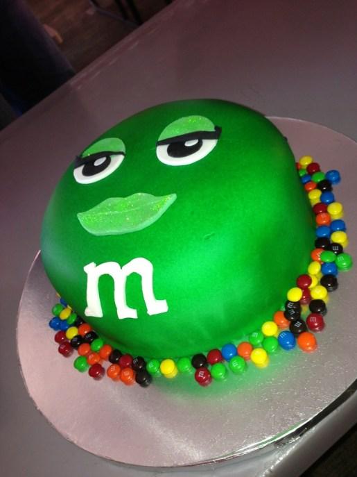m-and-m-designer-cakes-cupcakes-mumbai-77