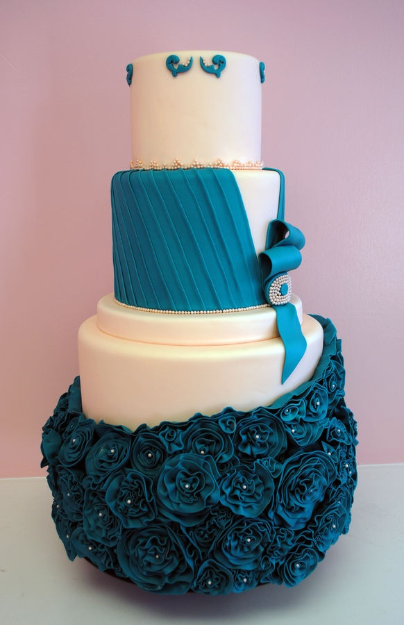 purple-blue-wedding-designer-cakes-cupcakes-mumbai-81